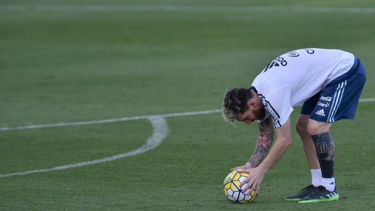 Lionel Messi met zijn nieuwe tatoeage Beeld anp