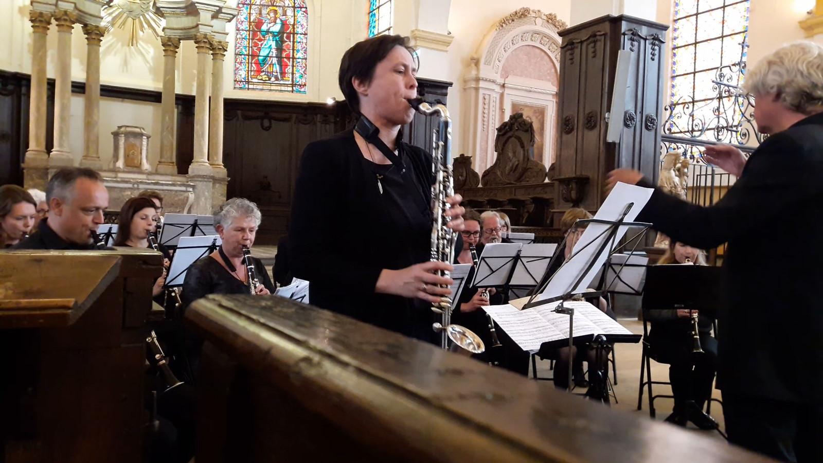KlarinetNsemble Hilvarenbeek concerteert in de kerk van de citadel van Montmedy in Frankrijk (solist Monique Goedendorp)