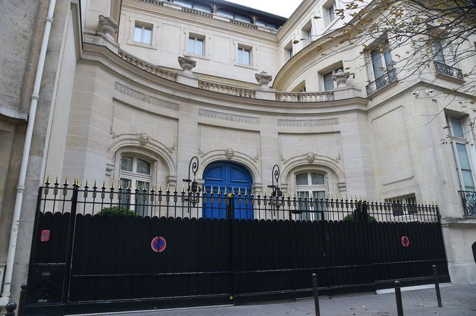 Le roi Mohammed VI s'offre un hôtel particulier à 80 millions d'euros à Paris.
