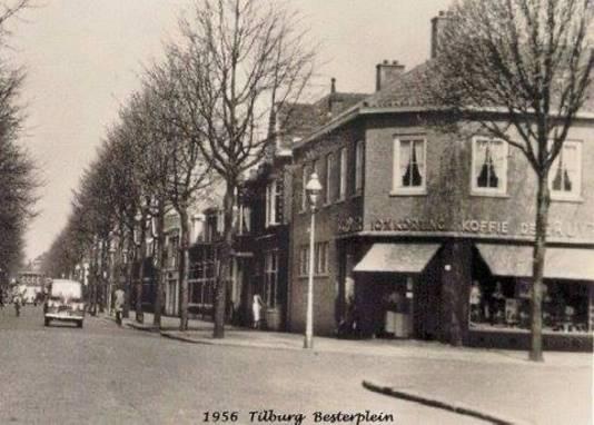 Vroeger: in 1956 was De Gruyter in het pand gevestigd.