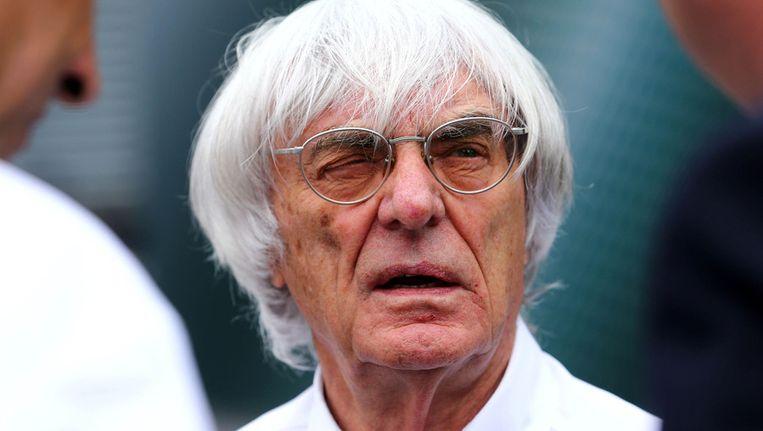 De Britse Formule 1-baas Bernie Ecclestone bij een training op het circuit van Nuerburg, Duitsland. Beeld ap