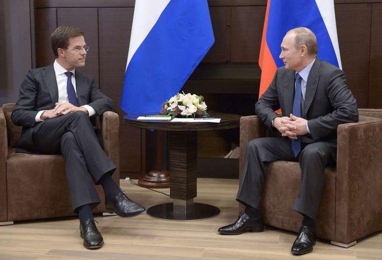Rutte in gesprek met Poetin Beeld afp