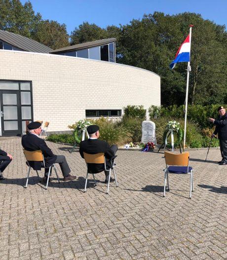 Bescheiden herdenking in Puttershoek, maar 'niet minder indrukwekkend'