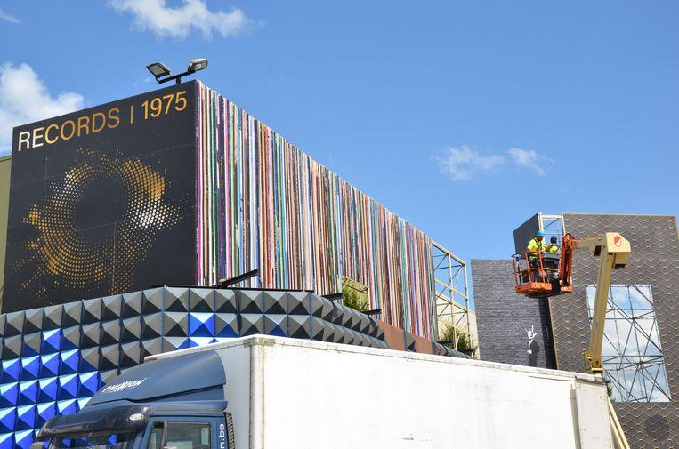 De gigantische platencollectie is één van de blikvangers van de nieuwe inkleding van de Grote Kaai.