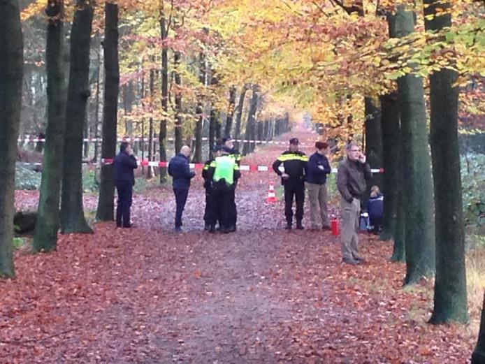 In de bossen aan de Molenwijkseweg in Boxtel is een stoffelijk overschot gevonden.