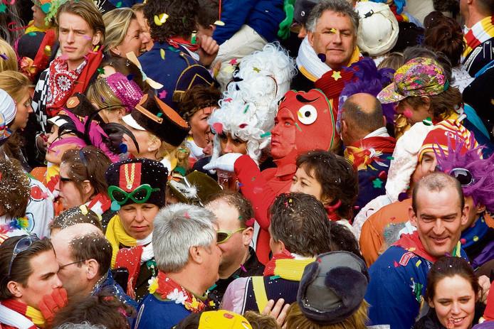 Carnaval in de Postelstraat in Den Bosch.