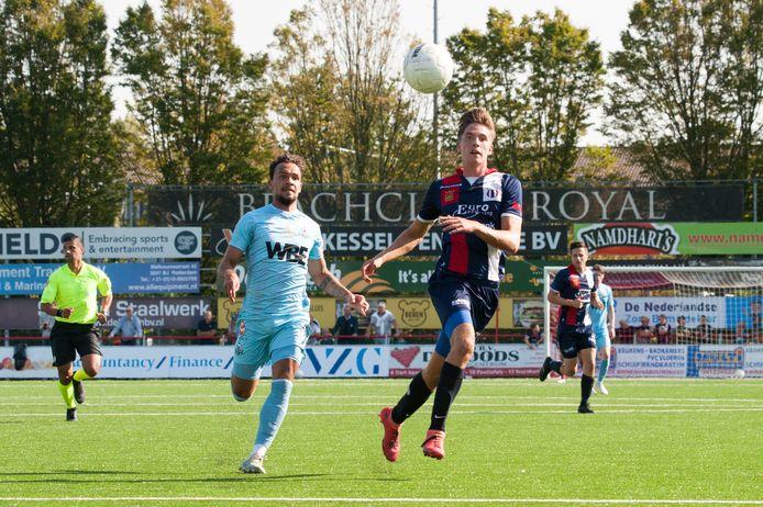Marius van Mil (r) scoorde twee keer tegen Rijnsburgse Boys.