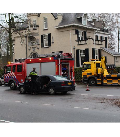 Eén gewonde bij botsing met meerdere auto's op Neerbosscheweg