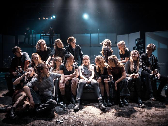 Theatergroep LINEA REKTA maakt naam met voorstelling My Generation aan De Grote Voort in Zwolle.