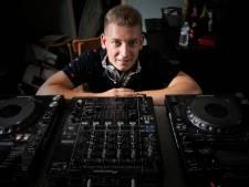 Stan Slegers uit Beek en Donk draait als Spitnoise op Dominator in Eersel: Doorpakken met hardcore
