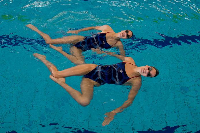 Zwemmen: Noortje en Bregje de Brouwer.