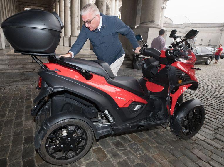Afbeeldingsresultaat voor de nieuwe motorfiets van prins Laurent