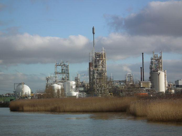 Het complex van DuPont en Chemours in Dordrecht.