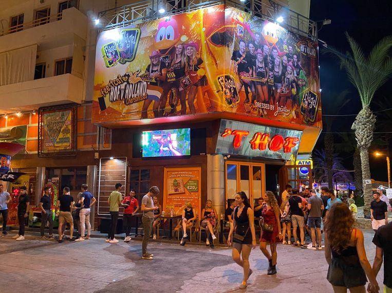 Club Hof van Holland in Chersonissos, Kreta, afgelopen week. Dit weekend werd de club gesloten.  Beeld Thijs Kettenis