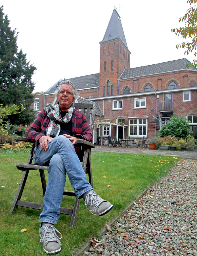Dick Smeijers in de tuin van De Wonne.
