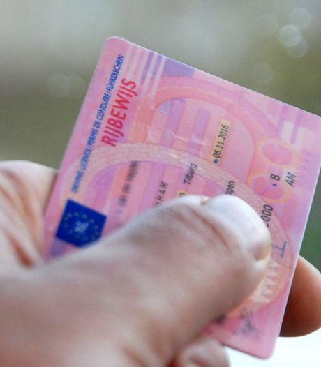 Rotterdamse maakt het bont in Goes: vals rijbewijs en drugs op zak