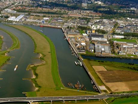 Arnhem mag vier windturbines Koningspleij bouwen