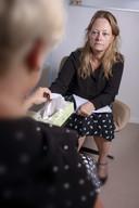 Medisch-psycholoog Jolanda de Vries van het Elisabeth-TweeSteden Ziekenhuis.