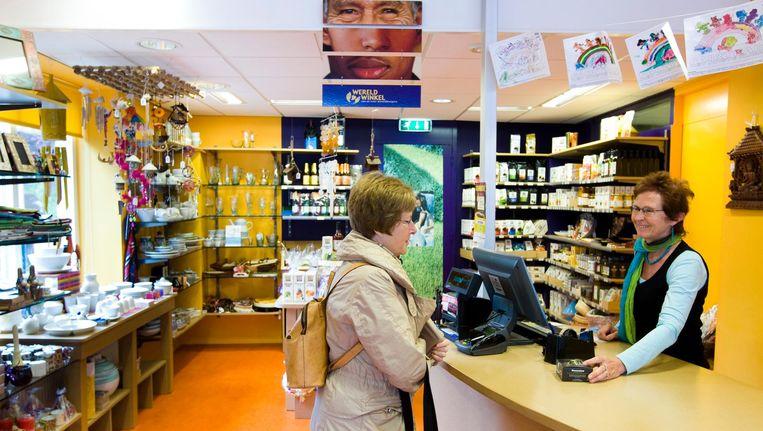 De Wereldwinkel in Heemskerk met veel Fair Trade producten. Beeld anp