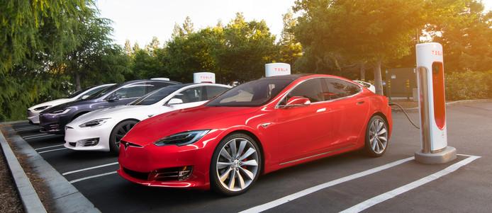 Vooral ook in Nederland staan veel laadstations met Superchargers van Tesla