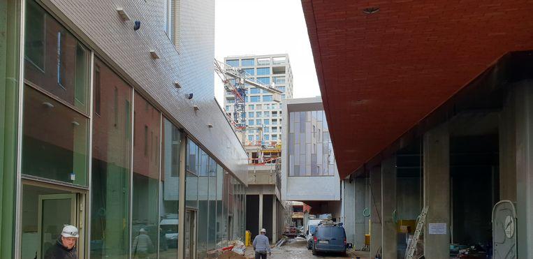 De werken aan het winkel- en woonproject Turnova.