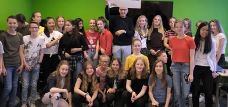 Ruim twaalfhonderd euro voor Halderbergse voedselbank dankzij paasmarkt Markland College