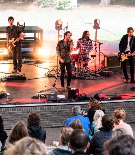 Nijmeegse band Navarone treedt eindelijk weer op. 'De eerste avond drumde ik integraal met kippenvel'