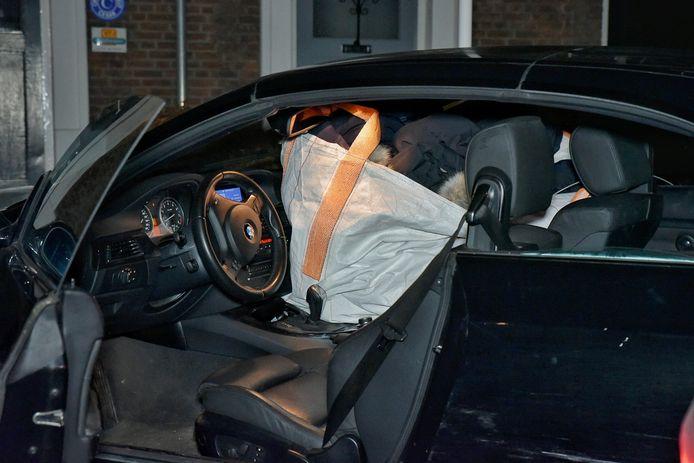 Twee daders werden aangehouden, een heeft na de botsing de benen genomen.