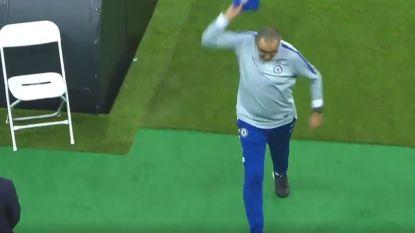 VIDEO. Woedende Sarri verlaat vroegtijdig laatste training van Chelsea voor finale