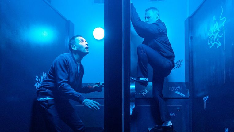 Ewan McGregor als Mark Renton (links) en Robert Carlyle als Begbie in Trainspotting 2. Beeld