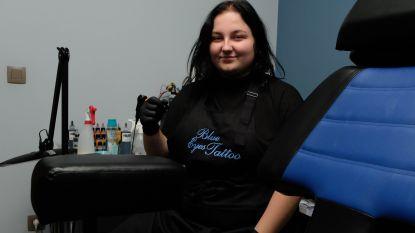 Voice-kandidate Daria opent eerste tattooshop in Pijpelheide