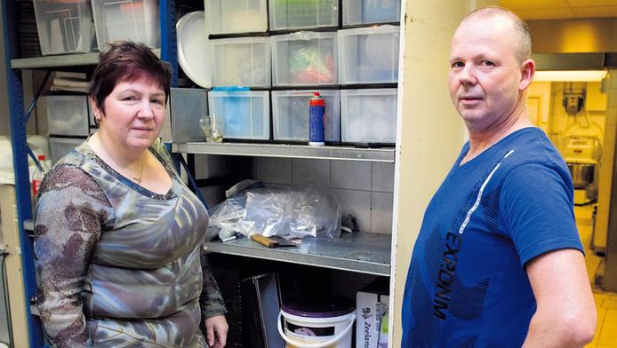 Inge en Willy Olink in de bakkerij.