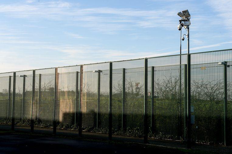 Nabij Brussels Airport komt een gesloten detentiecentrum zoals dit in Steenokkerzeel. In het nieuwe detentiecentrum zullen ook kinderen worden opgesloten.