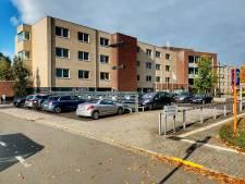 """17 bewoners van Hallenhuis testen positief op Covid-19: """"Maar het woonzorgcentrum blijft open"""""""
