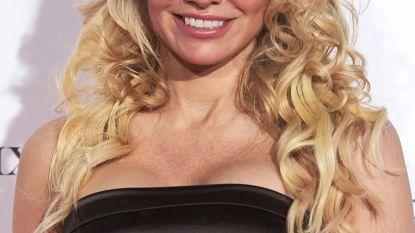 """Pamela Anderson geeft seksadvies: """"Aseksualiteit is een epidemie veroorzaakt door porno en videogames"""""""