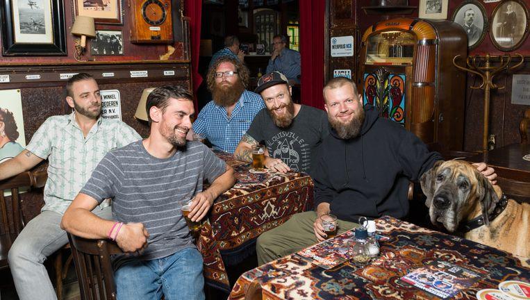 Quiet Hollers, vanaf links: Nick Goldring, Jim Bob Brown, Aaron West, Shadwick Wilde en Jake Hellman Beeld Ivo van der Bent