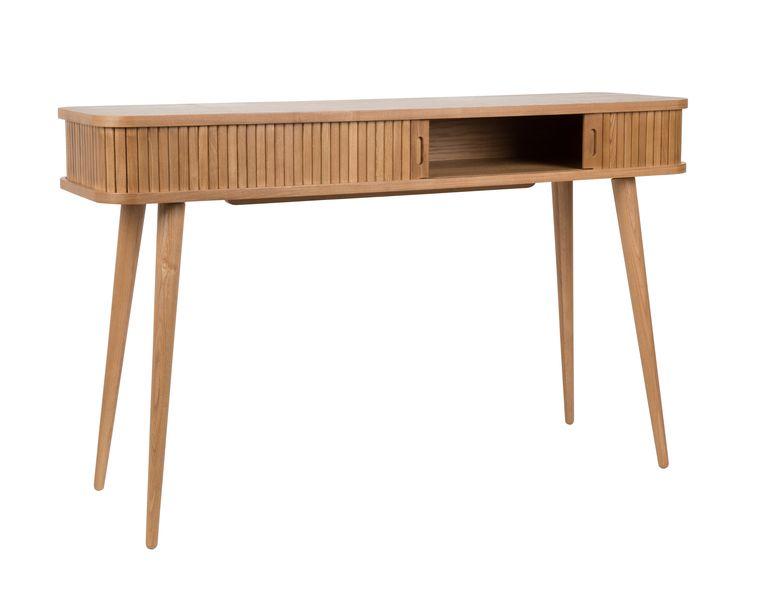 Ook het 'Barbier'-bureau van Zuiver is voorzien van een horizontaal houten rolluikje. 120 cm breed, €349. zuiver.com Beeld
