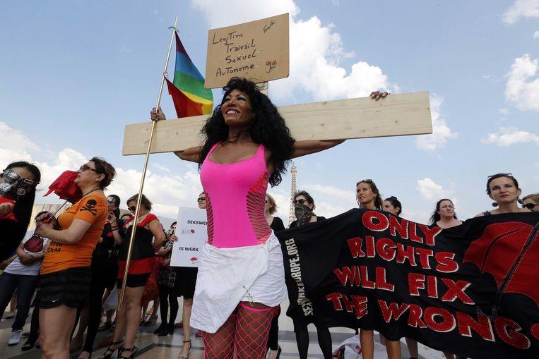 Franse prostituees protesteren voor de decriminalisering van prostitutie. Beeld afp