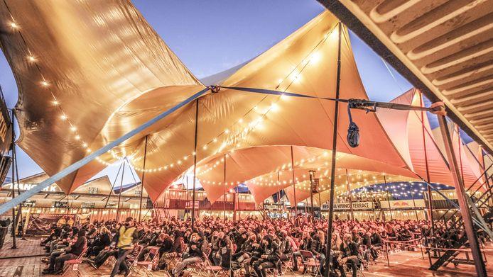 Het outdoor eventplein Depart XXL, tijdens Sound of Noise op zaterdag 10 oktober.