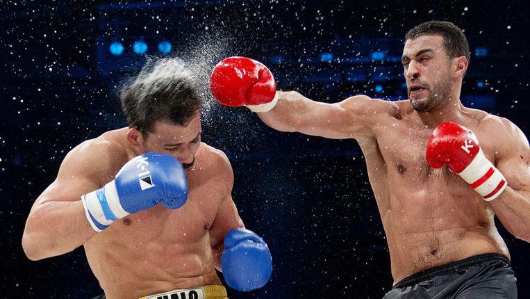 Kickbokser Bard Hari tijdens een wedstrijd in Zagreb. Beeld anp