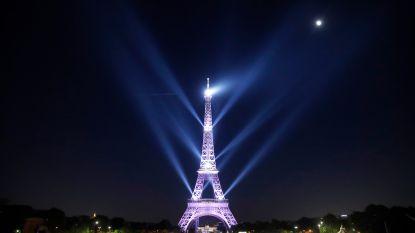 Parijs viert 130ste verjaardag van Eiffeltoren met groots lichtspektakel