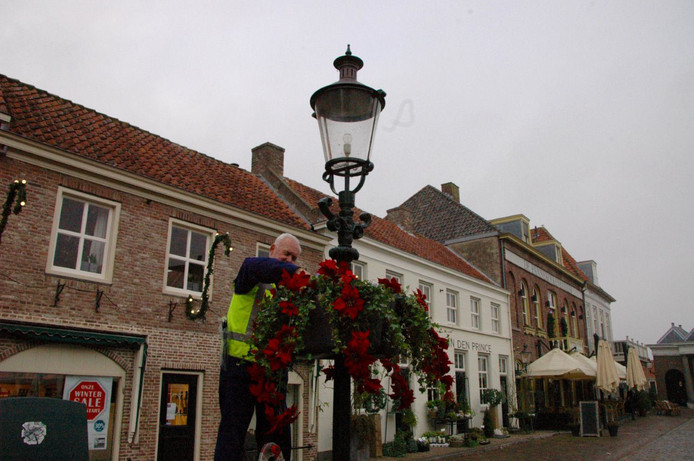 De vesting is eerder al verrijkt met bloembakken aan lantaarnpalen. Voortaan zijn ook geveltuintjes toegestaan.