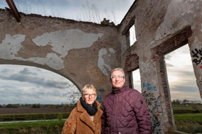 Het oude stoomgemaal dat al jaren bekend staat als het spookhuis van Gewande wordt door Andre en Tanja onderhanden genomen.