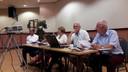 Het bestuur van de Kring Vrienden met in het midden voorzitter Yvonne Moerman.