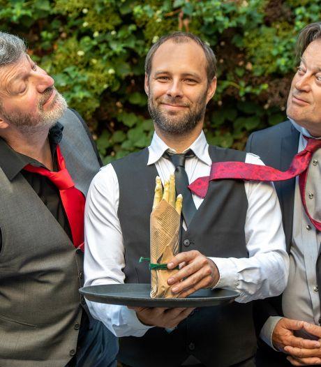 Gents Theatergezelschap organiseert toneel in openlucht: elke acteur een eigen podium, de toeschouwer een eigen koptelefoon