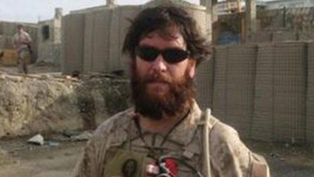 Chris (nu Kristin Beck) in dienst bij de Amerikaanse Navy SEALS.