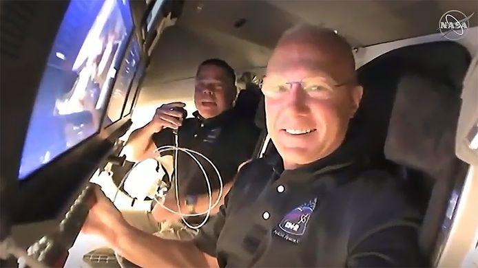 Les deux astronautes de SpaceX Doug Hurley et Bob Behnken dans l'ISS.