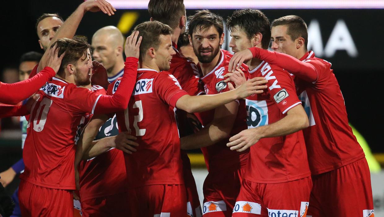 Kortrijk kegelt Anderlecht uit de beker na spektakelmatch: 4-2