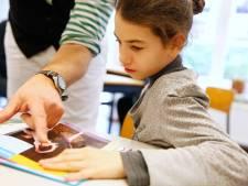 Syrische kinderen gaan goed in Rotterdam, maar moeten veel vertalen voor ouders en missen hulp bij schoolwerk
