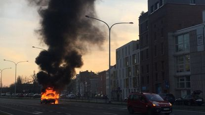 Auto brandt uit op Binnensingel
